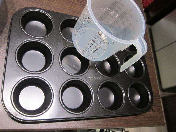 My new muffin pan, and measuring cup.